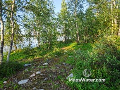Место для пары палаток на озере Верхнее Капустное